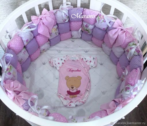 Bubble Bumpers in A Round Crib, Crib Bumper, Bumpers The Crib, Bumpers For Baby, Soft Bumpers, Round Baby Bed