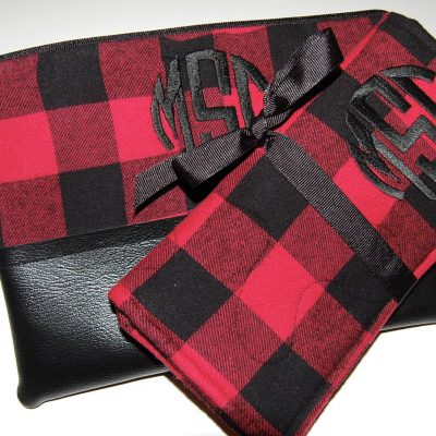 Buffalo Plaid Jewelry Roll, Personalized Travel Case, Make-Up Bag, Red Cosmetic Zipper Pouch, Set Of 2, Bridesmaids Gift