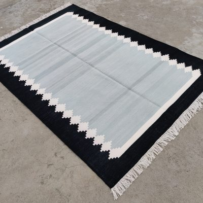 Cotton Home Décor Living Room Flat Weave Rug Rags Handwoven Natural Vegetable Dyed Grey & Black Scalloped Area Striped Dhurrie Kilim